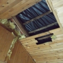 Het plafond van cafë Bethlehem is na instorten van het dak door de vele sneeuw nog steeds niet helemaal gerepareerd.