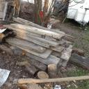 Houten balken voor houten tafels.